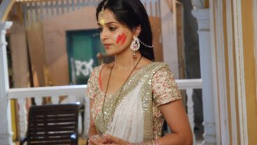 Simar, Anushka And Devyani Team Up Against Roli