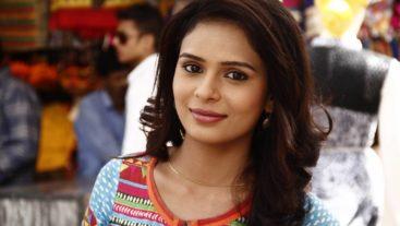Spoiler Alert: Devyani is attacked! #Shastri Sisters