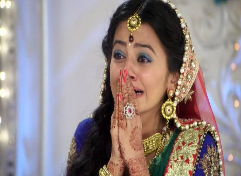 Swaragini Spoiler: Swara's breakdown during the sangeet