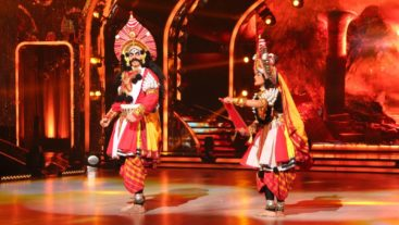 We bet you haven't seen Ashish in this avatar! Click Now #Jhalak