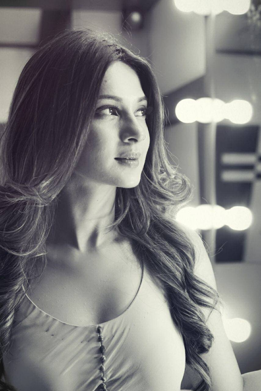 The very lovely, Jennifer Winget is coming soon on 'Bepannaah' to steal away your hearts!