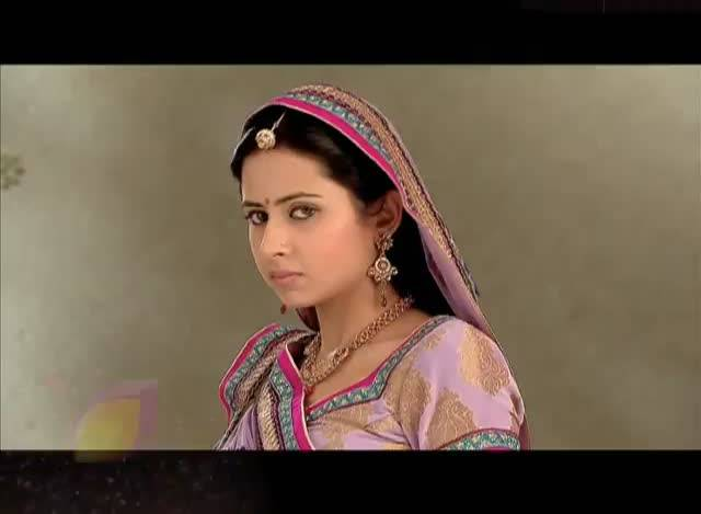 Will Ganga manage to hide her pregnancy? #Balika Vadhu