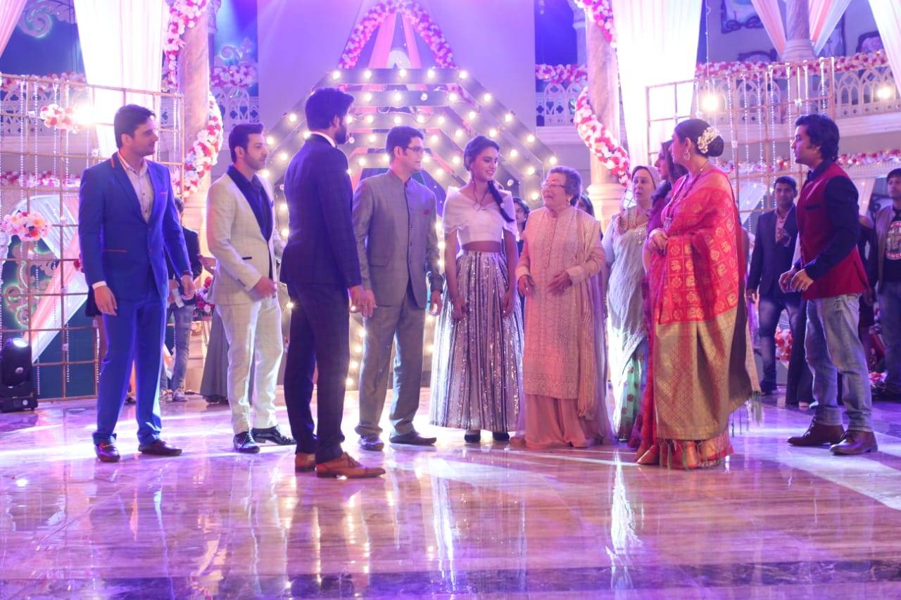 Khanna family in trouble?