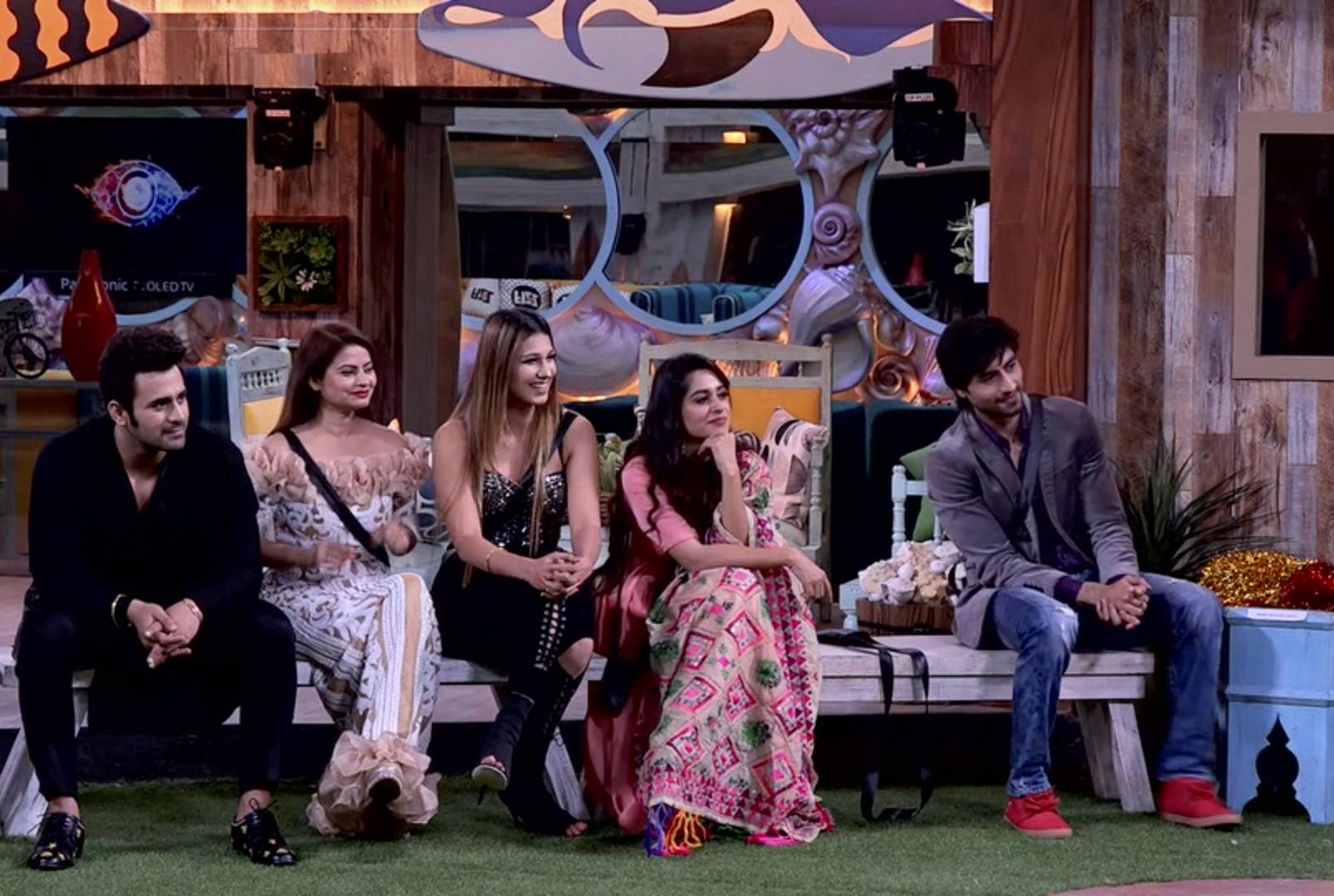 Colors family takes over the Bigg Boss 12 house!