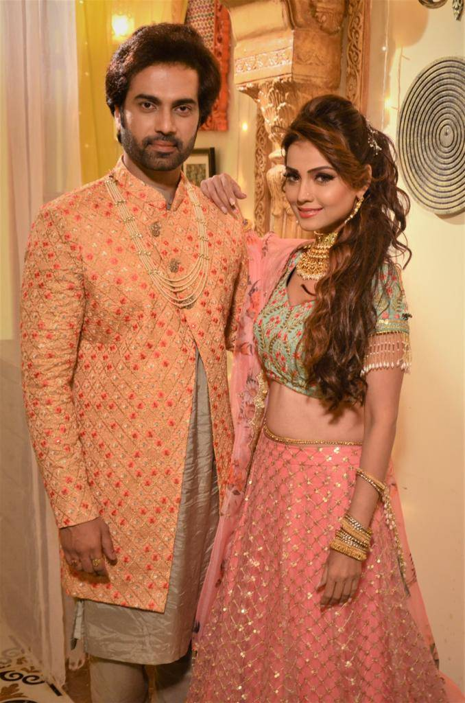 Don't Sitaara and Viraj look amazing?