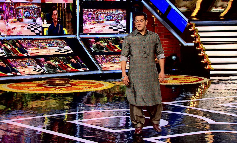 Salman Khan aa gaye hai leke Weekend Ka Vaar!