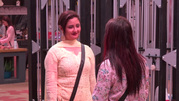 Shehnaz conveys some sweet things about Rashami's niece and nephew