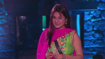 Hamaari Punjabi ki Katrina bann chunki hai India ki chahiti Shehnaaz Gill! Dekhiye unki journey aaj ke aakhri episode mein raat 10 baje.
