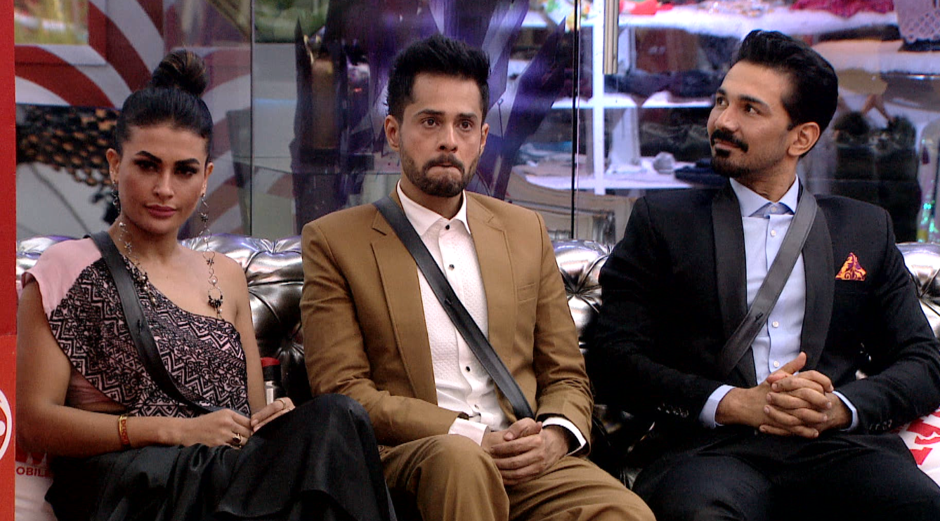 From comments on Nepotism to task discussions, here's a glimpse into tonight's episode!