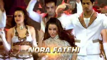 Watch Film Fare Awards 11th April Sunday ET 5:00pm PT 2:00pm on Aapka Colors
